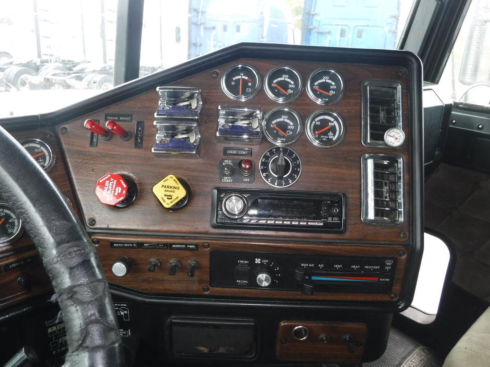 1998 Freightliner FLD FLD Classic XL StockNum: OG4752 : Nebraska