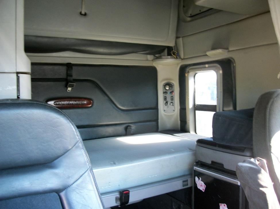 2001 Freightliner Century Class Stocknum St7460 Nebraska Kansas Iowa