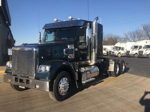 2017 Freightliner SD Series 122SD
