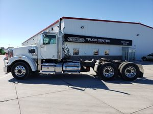 2014 Freightliner SD Series 122SD
