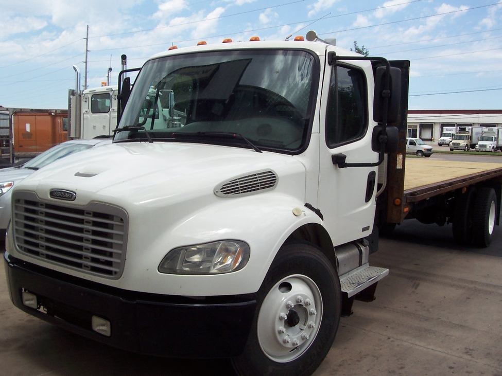 Freightliner M Door Toter Hot Shot Semi Custom Bed furthermore Freightliner M Cat C Diesel Truck Morgan Cargo Box Lift Gate Speed   Pagespeed Ce Gl Sg Wni together with M Tow Wrecker Ipad besides Bg additionally Freightliner Business Class. on freightliner trucks m2 business class