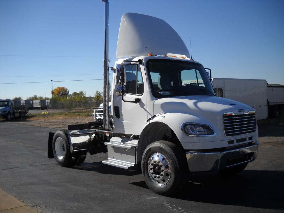 Roof Fairings For Semi Trucks : Roof fairing freightliner coronado