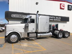 2001 Freightliner FLD  FLD Classic XL