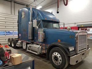 2003 Freightliner FLD  FLD Classic XL
