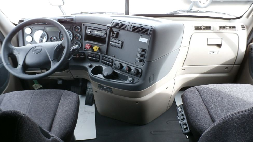2017 Freightliner Cascadia Evolution Stocknum Hn7919