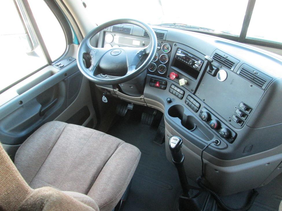 2013 freightliner cascadia ca125 stocknum st8796 - 2013 freightliner cascadia interior ...