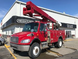 2007 Freightliner Business Class M2 M2 106