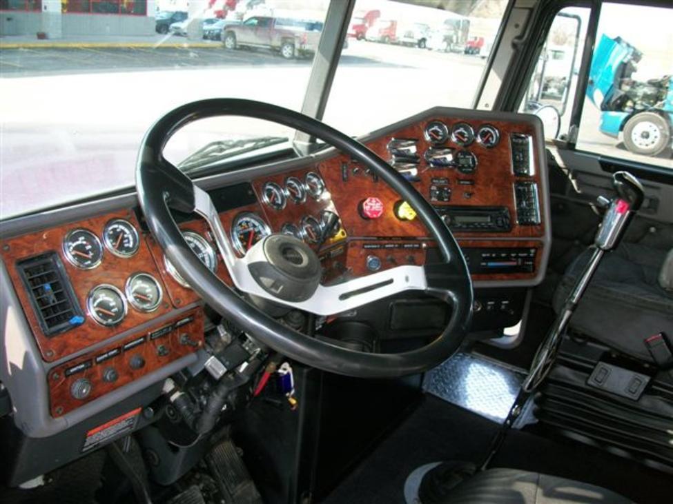 1999 Freightliner Fld Fld Classic Xl Stocknum Og3437 Nebraska Kansas Iowa