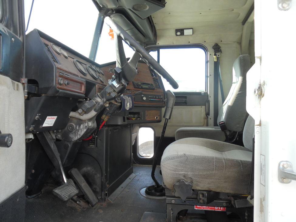 1998 Freightliner Fld Fld120 Stocknum Ety266 Nebraska Kansas Iowa
