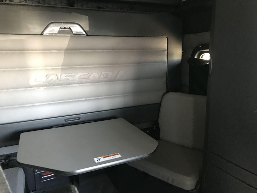2018 Freightliner Cascadia Ca126 Stocknum Jt4437